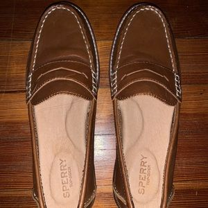 Sperry leather loafers in size 6.5
